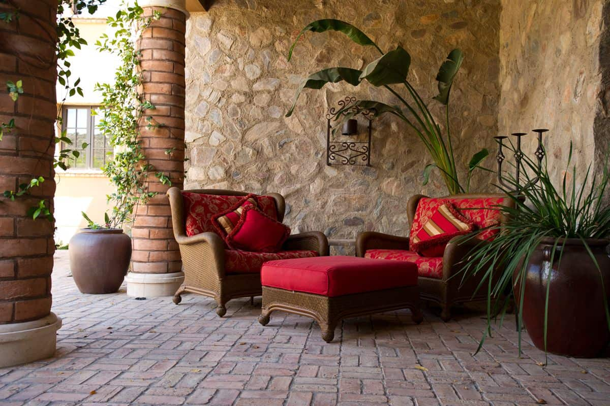 How To Pick Outdoor Cushions And Pillows For Your Patio