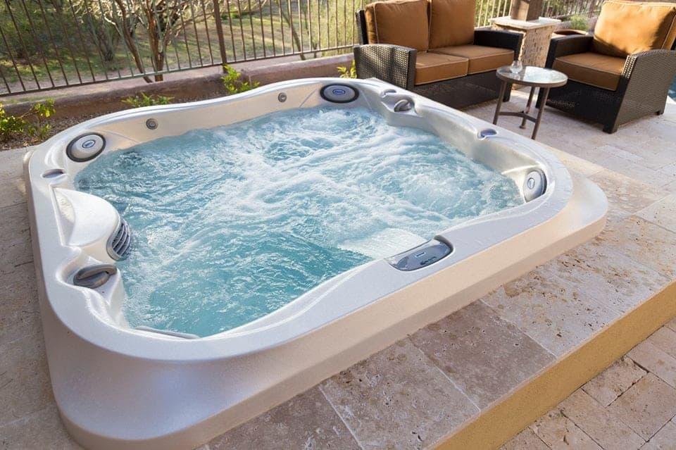 imagine-backyard-living-hot-tub-spa-jacuzzi-sundance-23