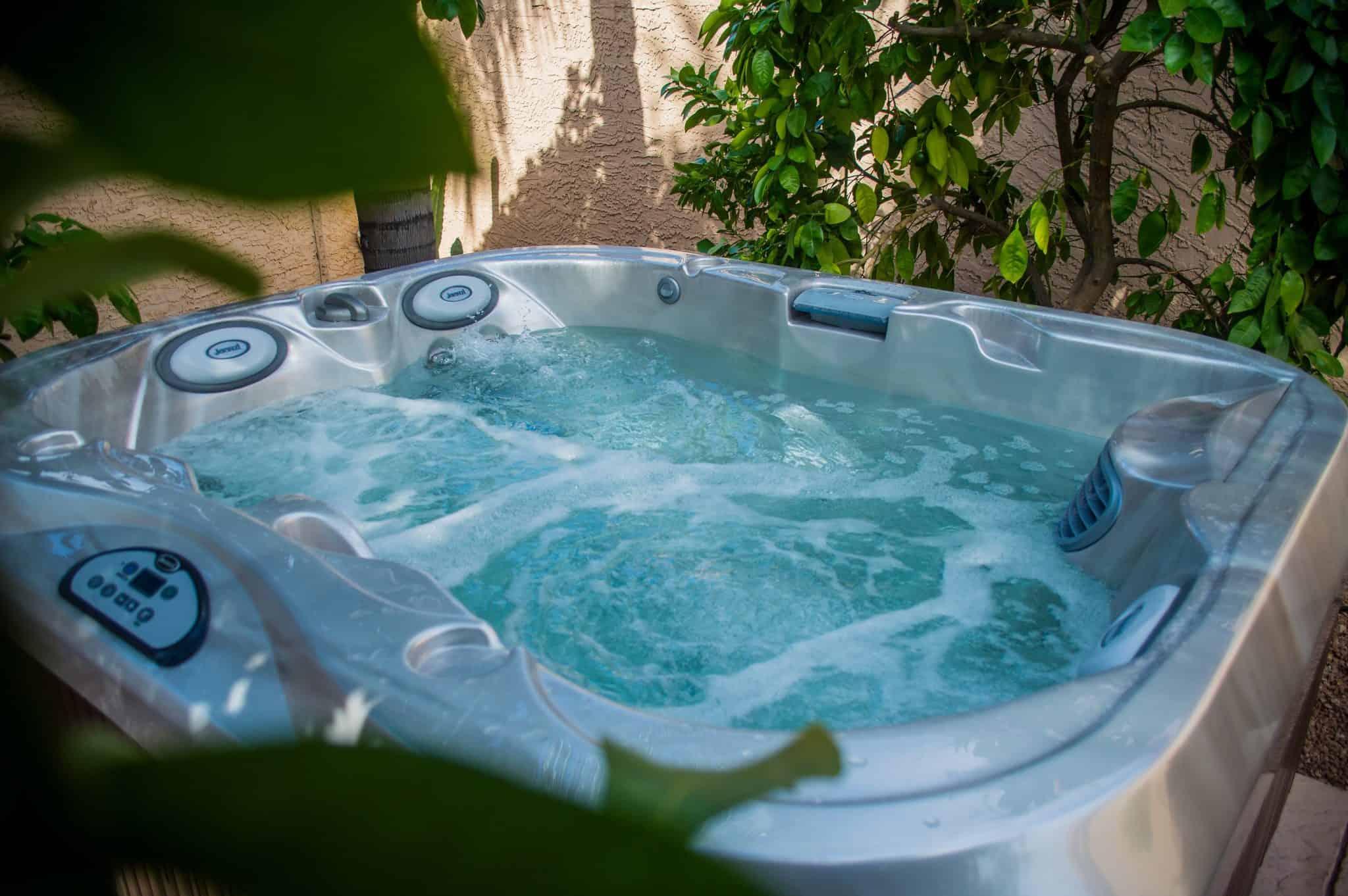 Imagine Backyard Living Hot Tub Spa Jacuzzi Sundance (48)