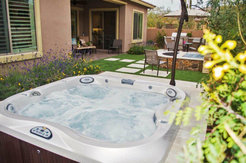Imagine-Backyard-Living-Hot-Tub-Spa-Jacuzzi-Sundance-64