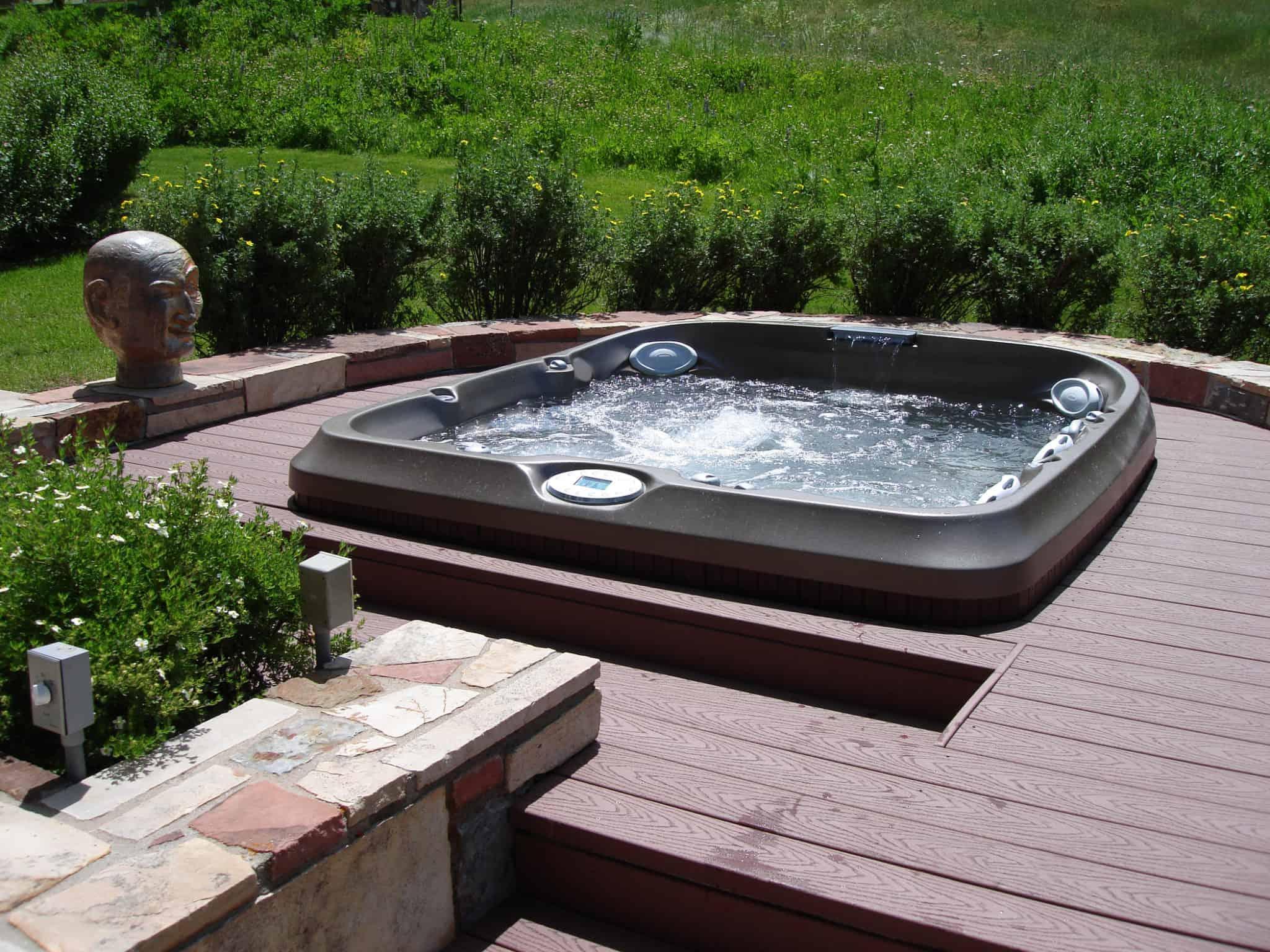 hot-tub-deck